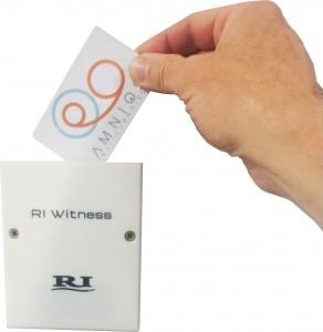 Witness-con-tarjeta